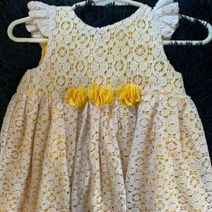 Other - White & yellow lace dress